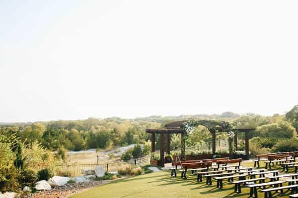 Having wedding outdoor in Spring